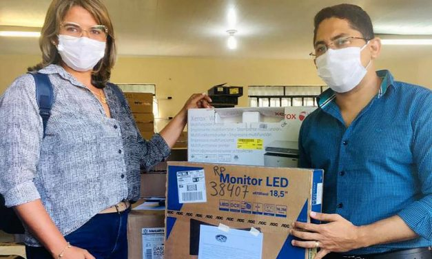 Sedap entrega equipamentos de informática para fortalecer agricultura familiar
