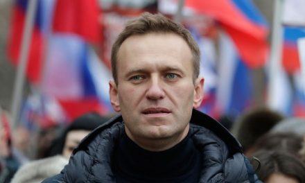 Opositor russo Navalny sai do coma induzido em Berlim
