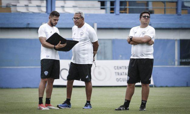 Paysandu sofre com problemas físicos em semana cheia na Série C, afirma Hélio dos Anjos