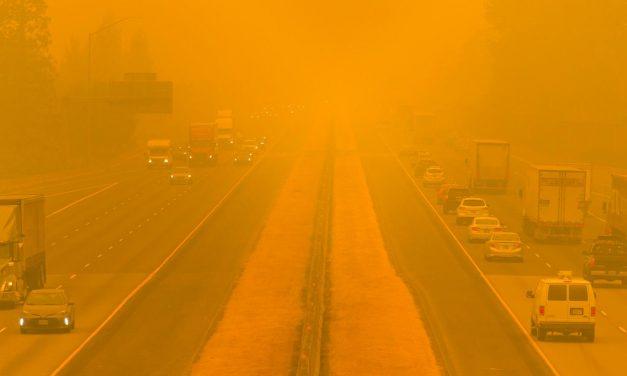 Por que é tão difícil esvaziar os locais de incêndio nos EUA em meio à pandemia