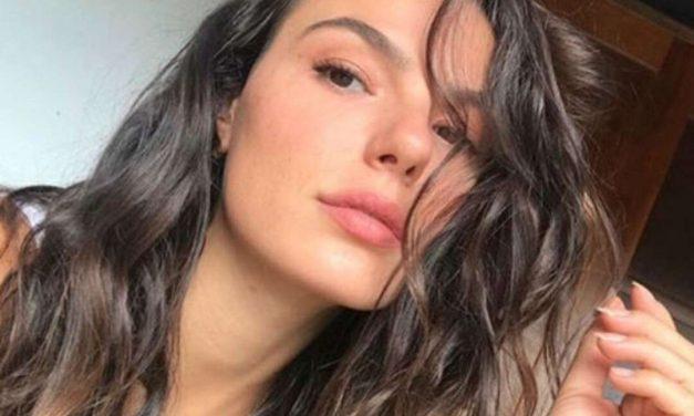 "Isis Valverde exibe boa forma de maiô : ""Espetáculo de mulher"""