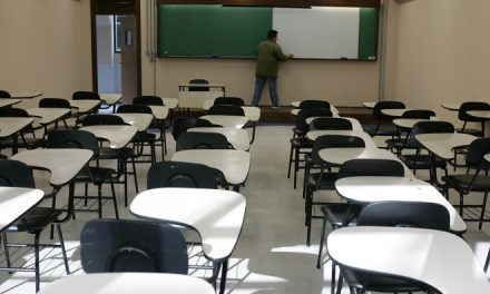 Nº de alunos que abandonam faculdade deve subir após a pandemia, e setores poderão enfrentar falta de mão de obra