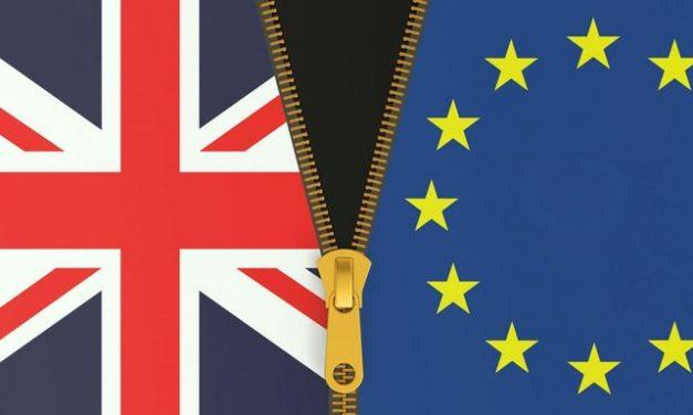 """União Europeia enquadra Reino Unido: que assuma """"responsabilidade"""" de sair do bloco"""