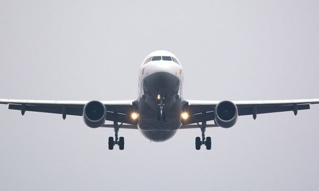 Cidadãos brasileiros continuam proibidos de viajar aos Estados Unidos