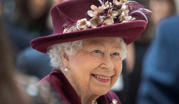 Rainha elogia fotógrafos que registraram o confinamento no Reino Unido