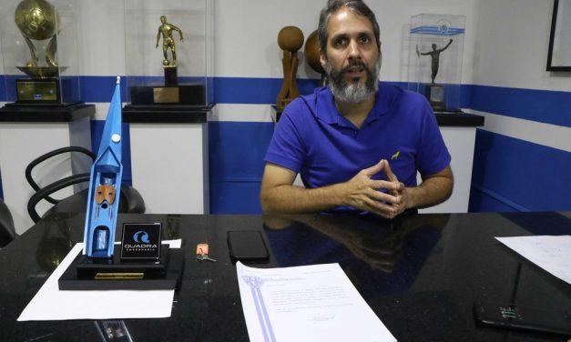 """Reforço, atrito DM-técnico, pressão na Curuzu: presidente abre a """"caixa preta"""" bicolor"""