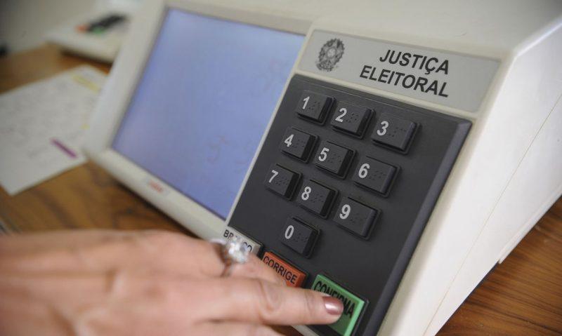 Eleições 2020: eleitores devem levar sua própria caneta para assinar caderno de votação, define TSE
