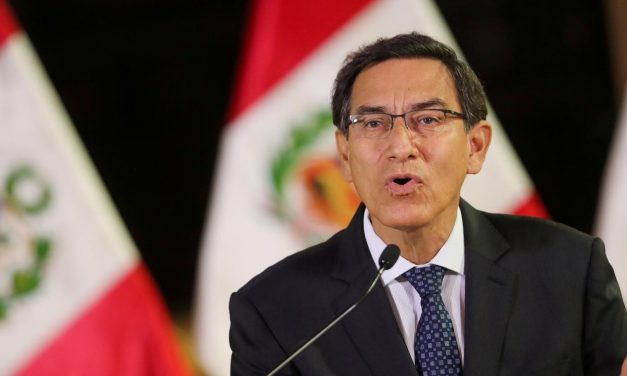 Presidente do Peru tenta evitar impeachment e culpa mentiras e traições por crise política