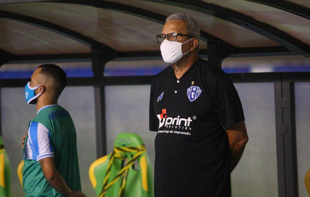 Hélio dos Anjos entrega o cargo e não é mais técnico do Paysandu