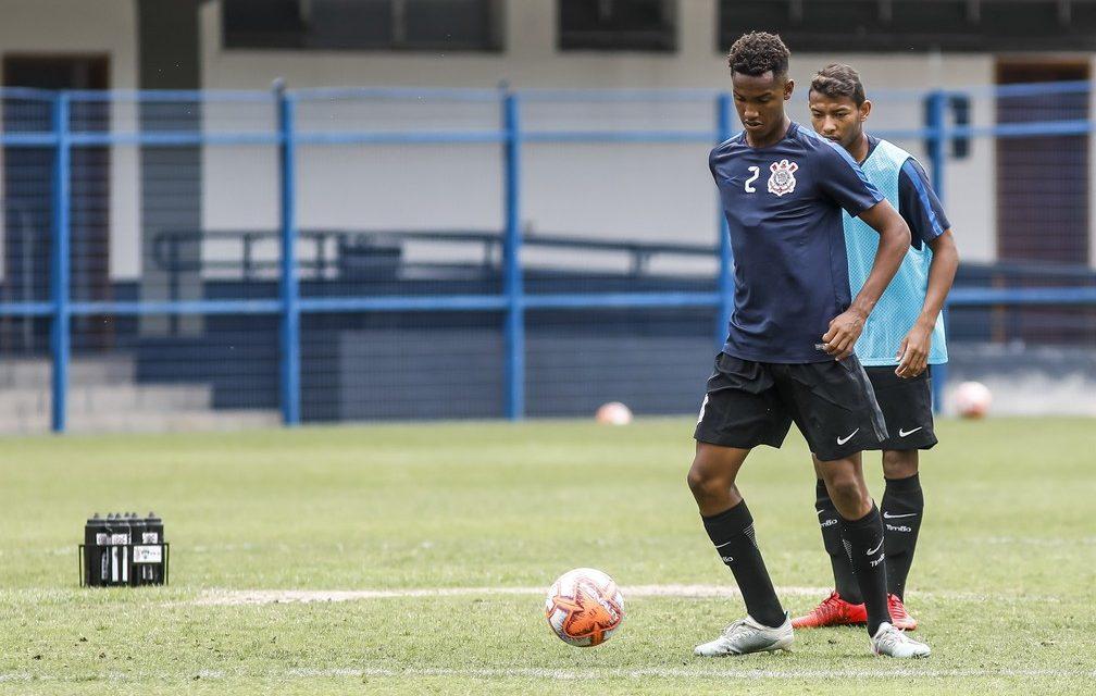 Com desfalques, Coelho convoca centroavante e mais três para o treino do Corinthians