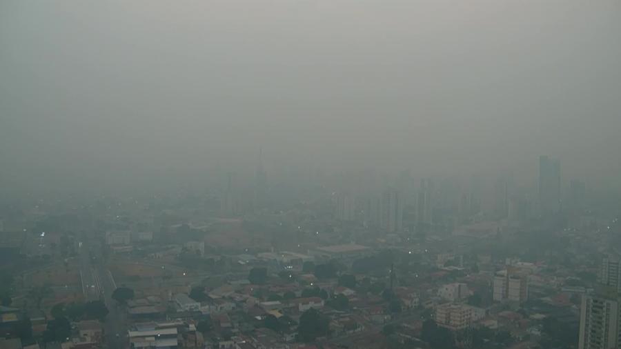 Cuiabá amanhece coberta por fumaça de queimadas e máxima prevista de 42 ºC