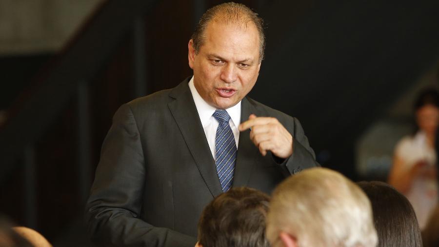 MP do Paraná cumpre mandado em escritório do deputado federal Ricardo Barros, em Maringá
