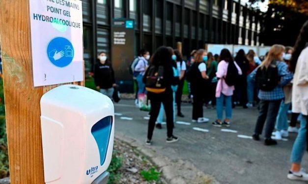 França fecha mais de 80 escolas em 15 dias por casos de covid-19