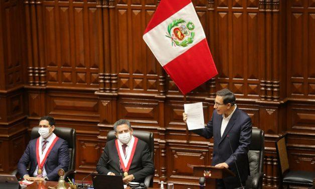 Vizcarra sobrevive a processo de impeachment e fica no cargo de presidente do Peru