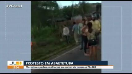 Moradores de comunidade protestam na PA-409 pedindo melhorias em ramal no Pará