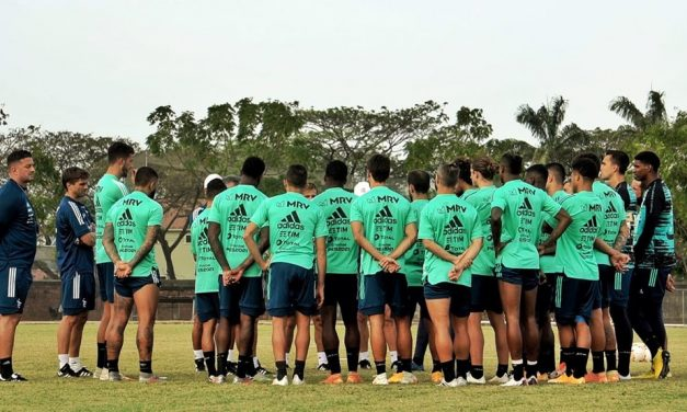 Após problemas em série, Dome tem missão de remontar o desfigurado Flamengo contra o Barcelona