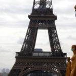 Mais da metade da França está na 'zona vermelha' da covid-19