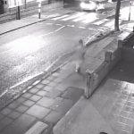 Mulher com celular ao volante atropela o próprio sogro