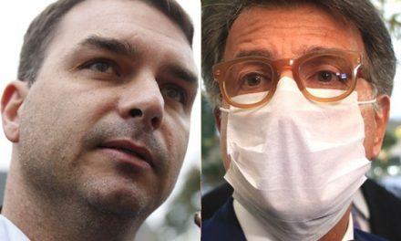 Paulo Marinho chega para acareação com Flávio Bolsonaro