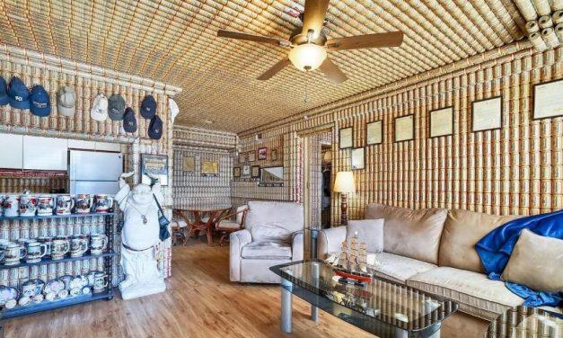 Casa com paredes cobertas de latas de cerveja é vendida por R$ 500 mil