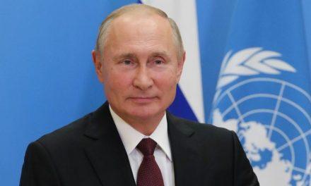 Putin é indicado ao Nobel da Paz por ajuda humanitária na pandemia
