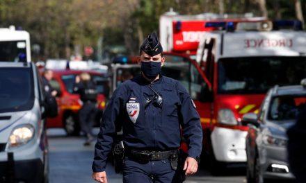 Oito pessoas sob custódia policial por ataque com faca em Paris