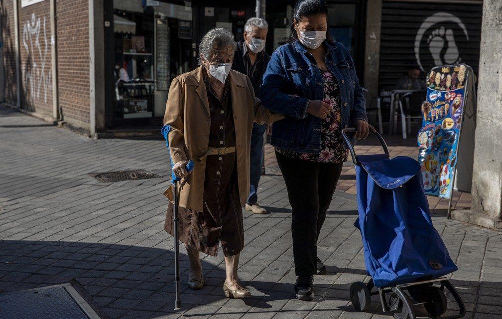 Governo espanhol ameaça Madri com intervenção ante o descontrole da epidemia