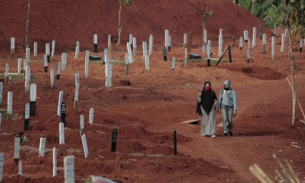 Mundo ultrapassa a marca de 1 milhão de mortos por Covid-19, diz universidade