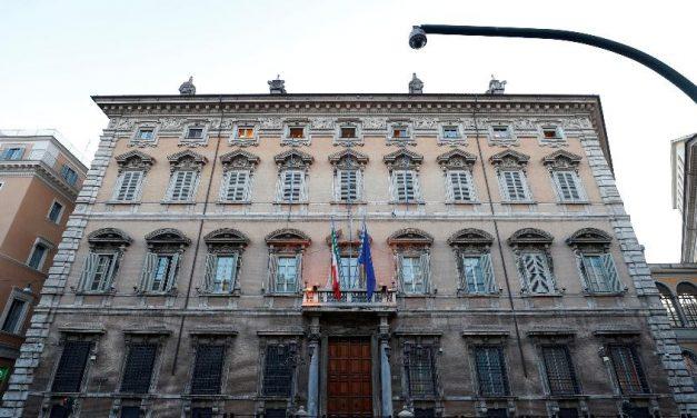 Senado da Itália suspende atividades após 2 casos de covid-19
