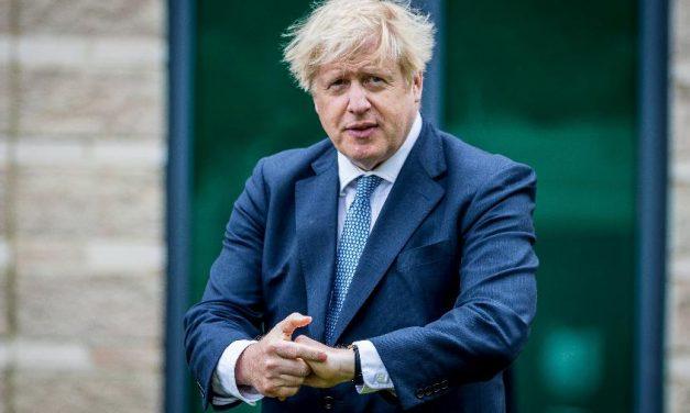 Boris Johnson enfrenta crise de confiança no Partido Conservador