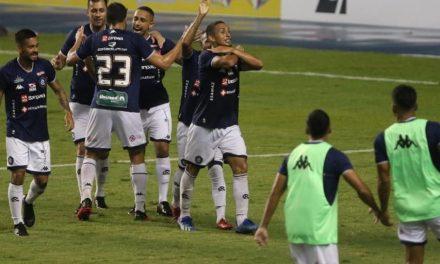 Em jogo eletrizante, Remo abre 2 a 0, Papão reage e empata, mas Wallace garante a vitória azulina no Mangueirão