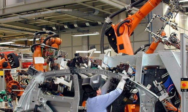 Nas montadoras, crise traz de volta o risco de novos cortes