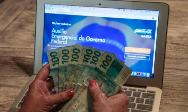 Candidatos milionários recebem auxílio emergencial e Bolsa Família