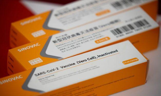 China debate com OMS possível uso global de suas vacinas contra Covid-19