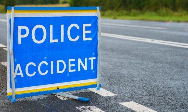 Policiais informam familía que jovem sobrevivente de acidente havia morrido
