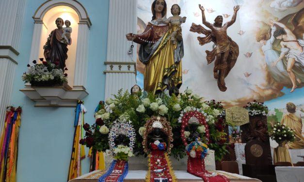 Imagens de São Benedito são conduzidas até a Catedral do Rosário
