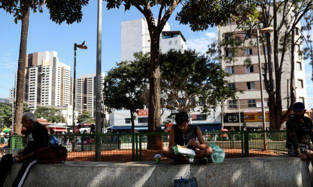 Milhões de brasileiros voltarão à pobreza se auxílio emergencial for interrompido