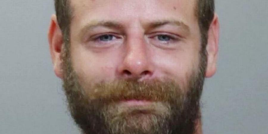 Homem quebra cemitério para tentar ressuscitar avó e acaba preso
