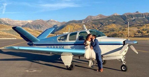 Casal morre após queda de avião quando voltava da lua de mel