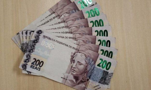 Homem recebe oito notas falsas de R$ 200 ao vender refletores no Grande Recife
