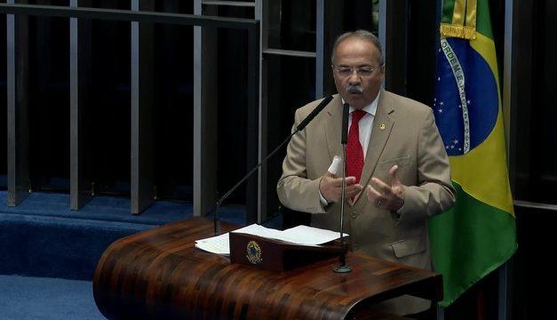 Senadores reagem a Barroso e discutem barrar afastamento de Chico Rodrigues