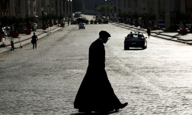 Vaticano confirma caso de Covid na residência Santa Marta, onde vive Papa Francisco