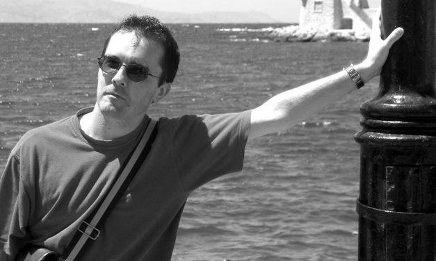 Quem era Samuel Paty, o professor decapitado na França ao ensinar a liberdade de expressão