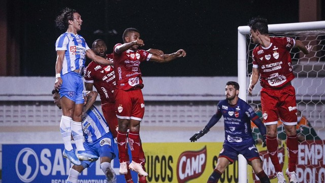 Vila Nova e Paysandu param nos goleiros e empatam sem gols no Mangueirão