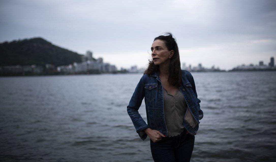 'Eu me envergonharia se ela berrasse a favor de um torturador', diz Isabel do Vôlei, mãe de Carol Solberg
