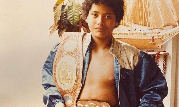 The Rock publica fotos aos 11 anos vestido como atleta  de luta  de livre