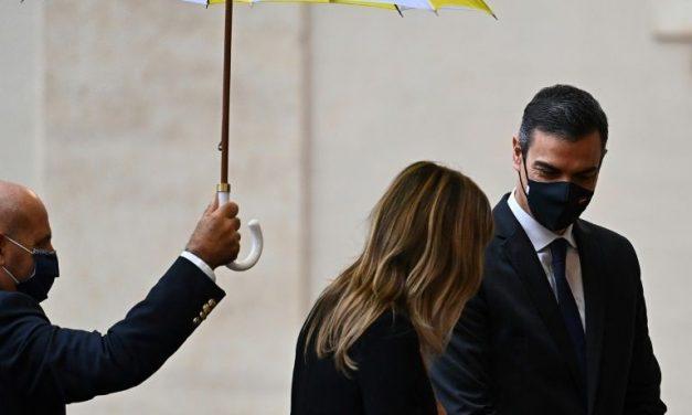 Papa recebe no Vaticano o espanhol Pedro Sánchez em meio ao surto de coronavírus