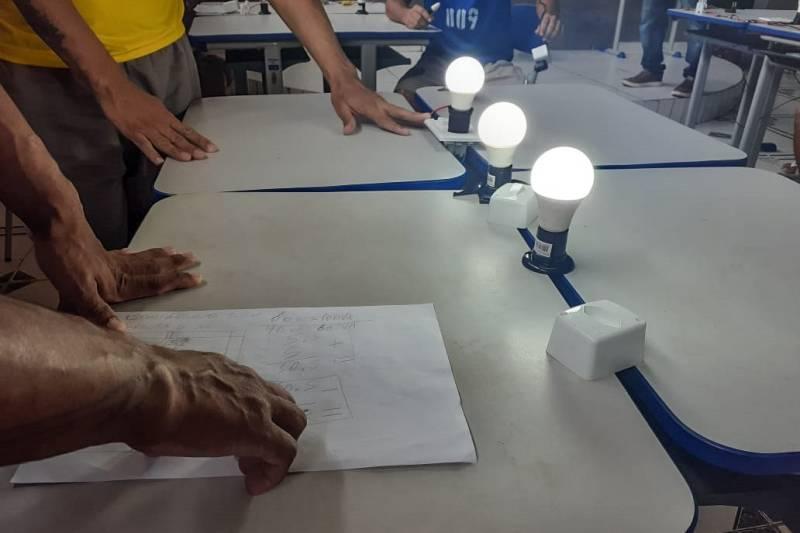 Custodiados do PEM I concluem curso de eletricista
