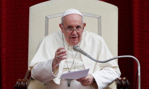Papa Francisco diz sonhar com 'Europa saudavelmente laica'