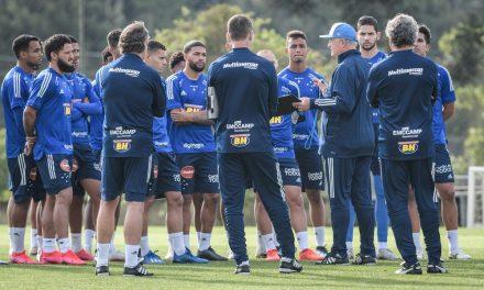 Excesso? Cruzeiro fecha 1º turno da Série B com utilização de 34 jogadores e quatro técnicos
